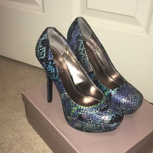 Bakers Snakeskin Pump